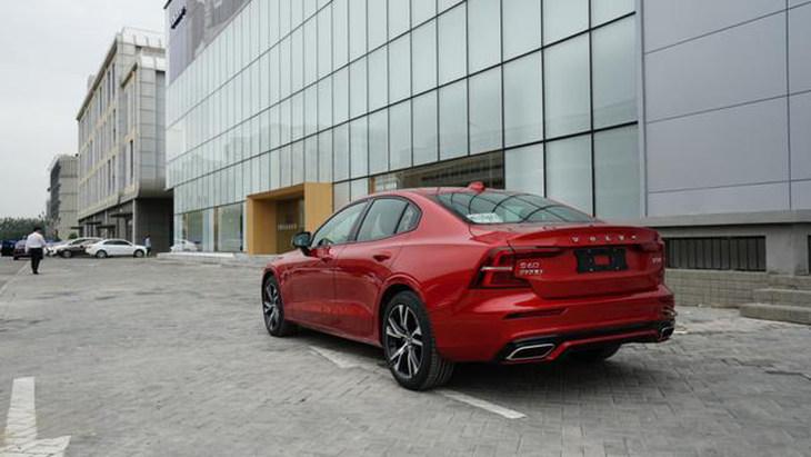 沃尔沃s60国产上市_沃尔沃国产全新S60新消息有望2019年12月上市/增混动版_行车视线