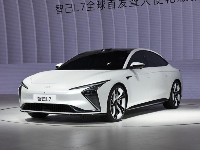 2021上海车展:智己汽车旗下首款纯电轿车预售插图