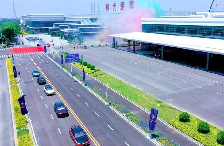 预计明年开始交付 恒驰汽车吐鲁番进行高温测试